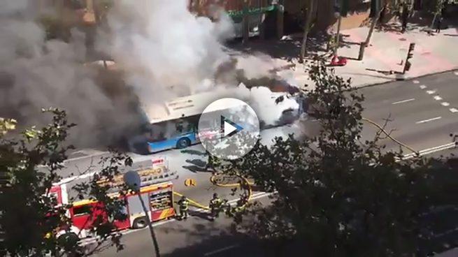 Un autobús se incendia en Madrid por la falta de mantenimiento de Carmena