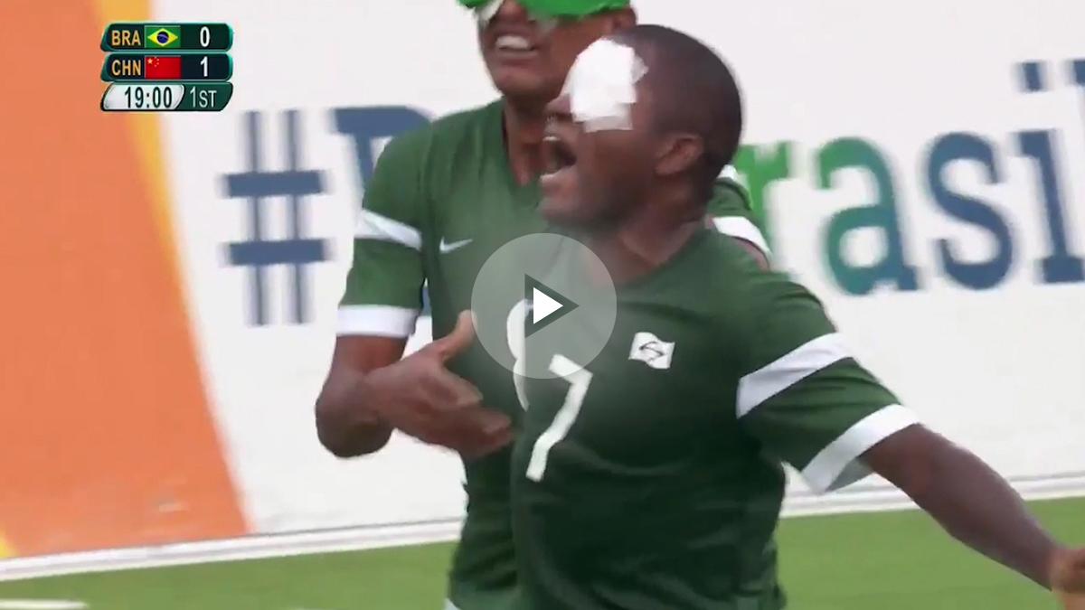 Jefinho hace dos golazos con brasil.