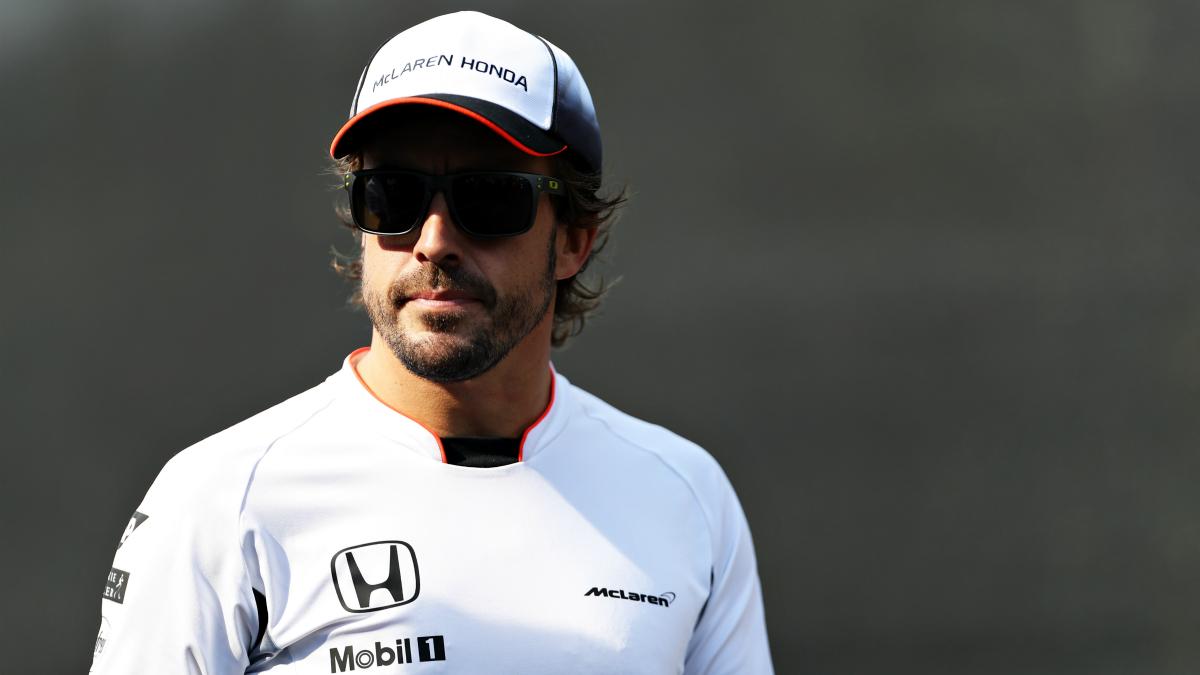 Alonso, después de una sesión de entrenamientos. (Getty)