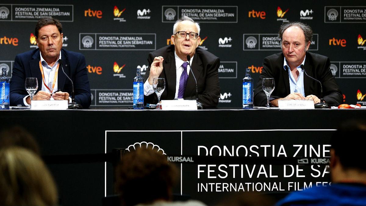Los dirigentes de FAPAE durante la rueda de prensa (Foto: EFE).