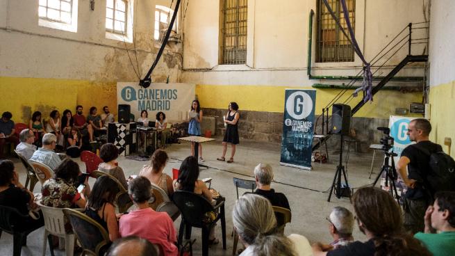 Macroasamblea de Ganemos Madrid en Matadero en la misma sala del 'sinpa' de Varoufakis