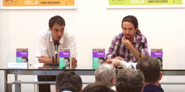 El director de la radio M21 junto a Pablo Iglesias. (Foto: YT)