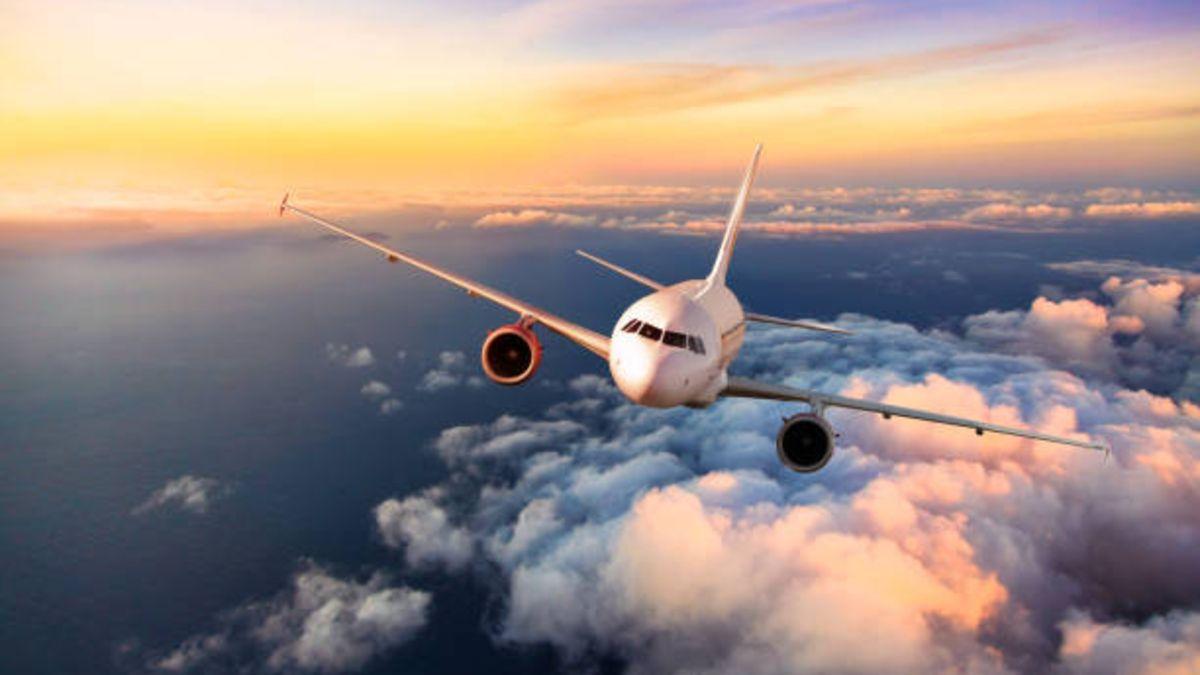 A qué velocidad vuelan aviones