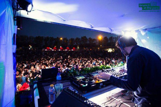 John Talabot deleitó con su música a un parque de Tierno Galván abarrotado. BRUNCH -IN THE PARK