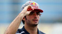 A pesar de los rumores, Carlos Sainz afirma que permanecerá en Renault tanto tiempo como el equipo desee. (Getty)