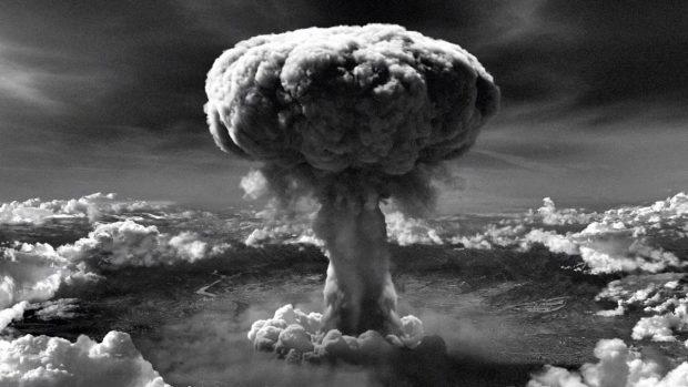 bomba atómica nuclear funcionamiento b