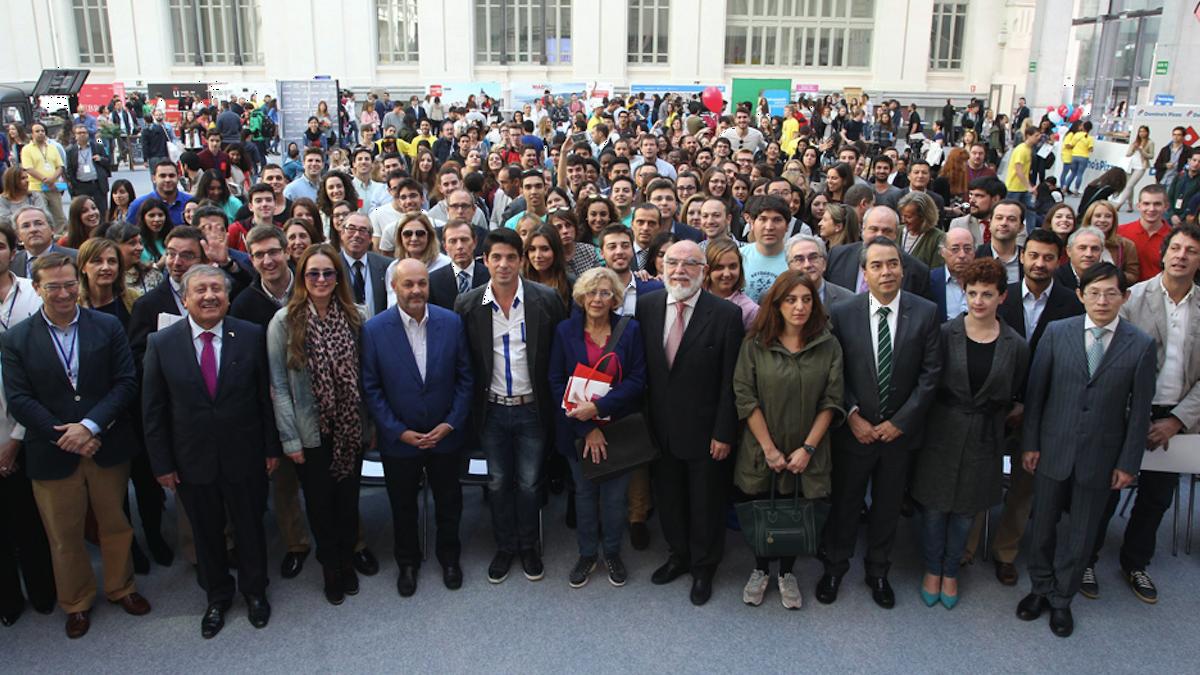 Jóvenes internacionales en la primera edición con Carmena. (Foto: MSWD)
