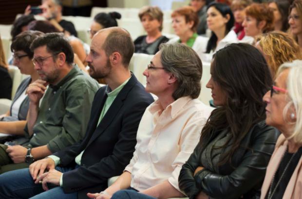 Concejales entre el público en la presentación de la guía. (Foto: Madrid)
