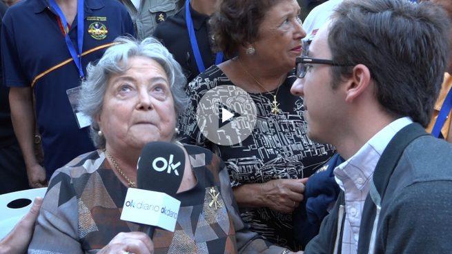 Los legionarios, con la hija de Millán-Astray: «Carmena, repondremos la placa a diario si la quitas»