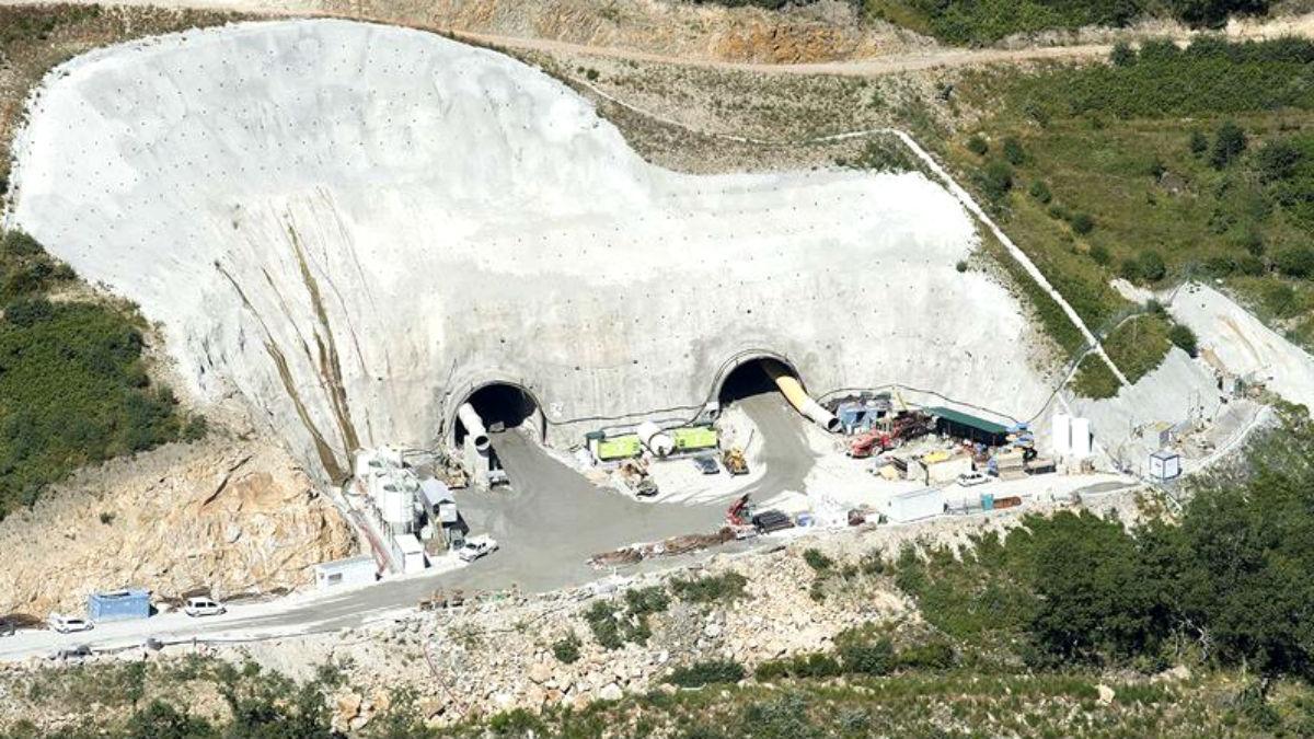 Obras de excavación del túnel de La Canda (Zamora) en la línea del AVE a Galicia (Foto: Adif).