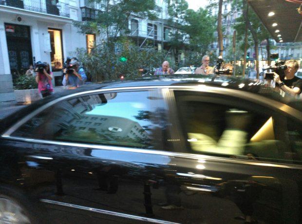 Llegada de Mariano Rajoy a la sede nacional de Génova.