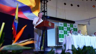 Juan Manuel Santos, en uno de sus últimos mítines por el SÍ en el plebiscito. (TW)