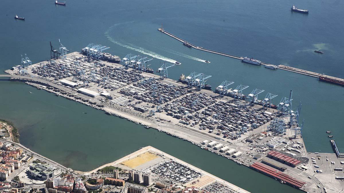 Polic a y agencia tributaria intervienen 118 kilos de coca na en un contenedor del puerto de - Puerto de algeciras hoy ...