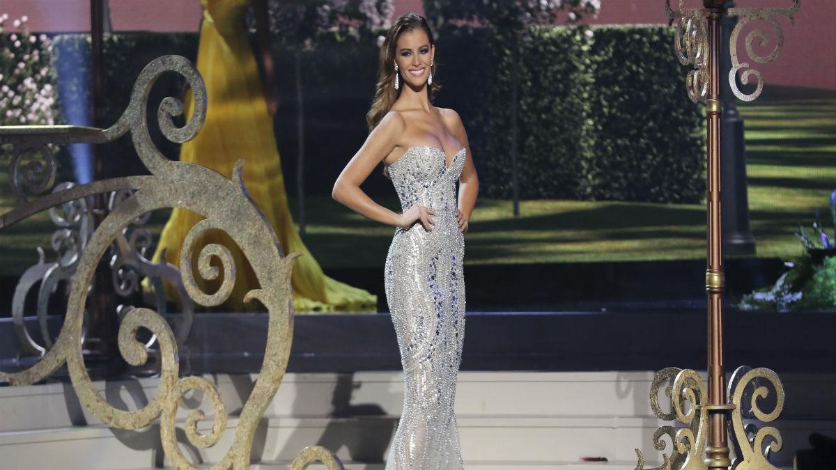 Desiré Cordero durante la gala de Miss Universo.