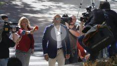 Miguel Ángel Flores a su entrada hoy a la Audiencia Provincial. EFE
