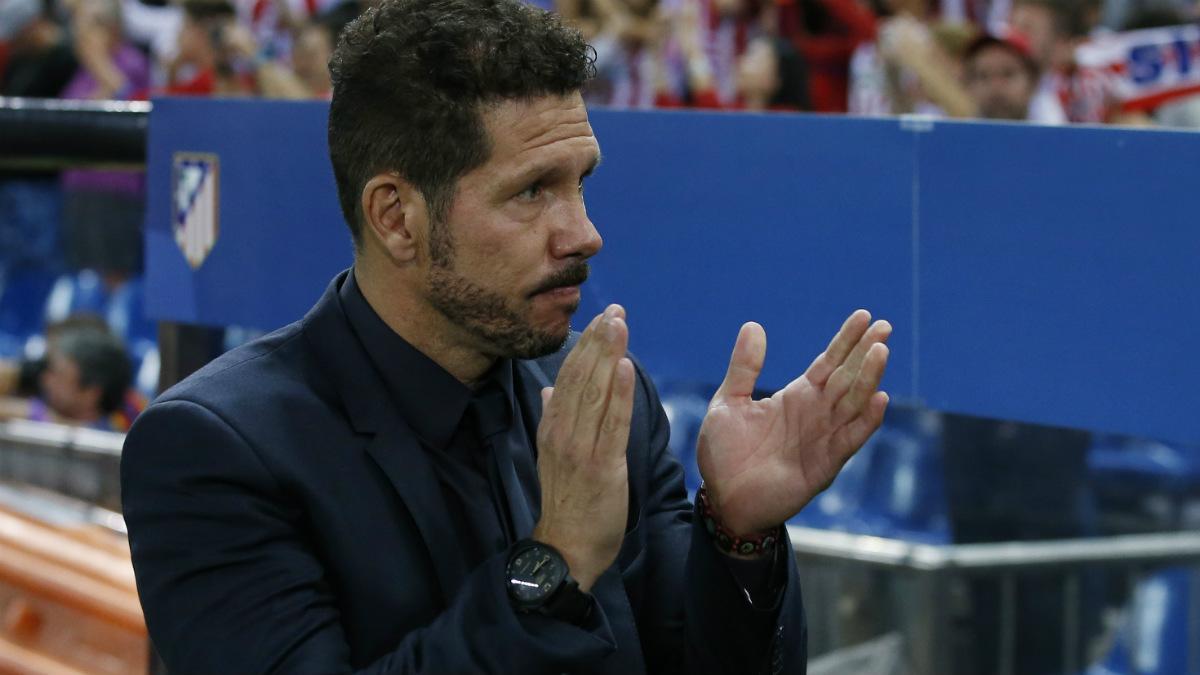Simeone aplaude una jugada durante el Atlético-Bayern. (Reuters)