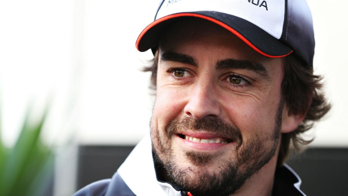 Fernando Alonso se enfrenta a su entrevista más divertida de la mano de su propio equipo. (Getty)