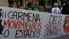 Colectivos okupas manifestándose contra ceder un palacete a México. (Foto: TW)