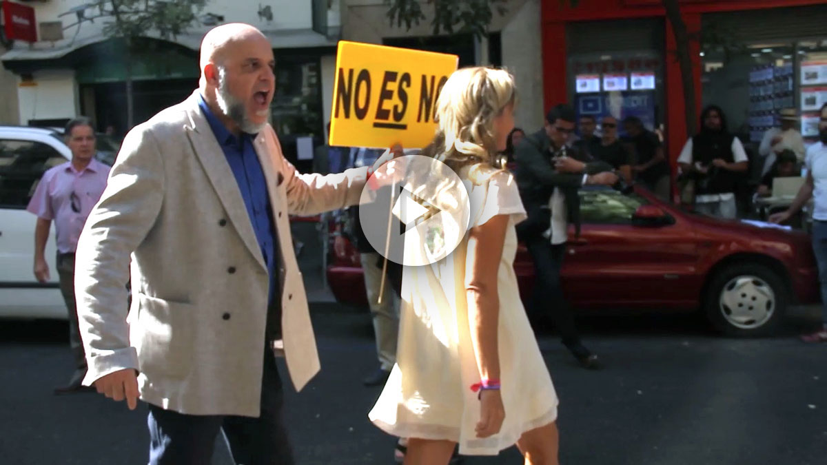 Simpatizantes del PSOE acosan a miembros del Comité.