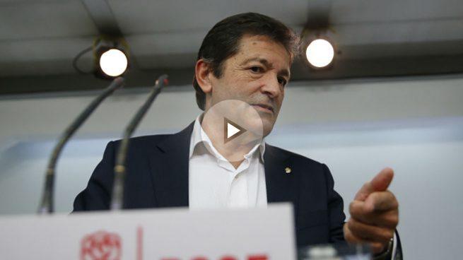 Rajoy llama a Javier Fernández para descongelar el diálogo roto por Sánchez