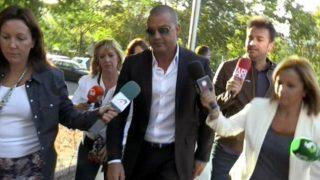 Miguel Ángel Flores a su llegada a la Audiencia Provincial del Madrid que celebra una vistilla para decidir si el principal imputado en la causa ingresa de inmediato en la cárcel, tal y como ha solicitado la Fiscalía. EFE