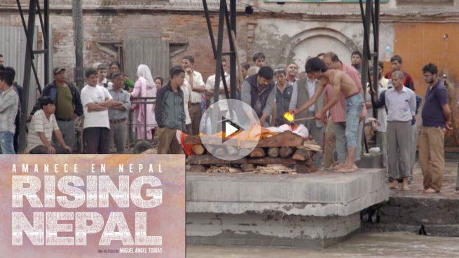 Miguel Ángel Tobías estrena 'Rising Nepal' en Madrid, sobre los supervivientes del terremoto que devastó el país asiático