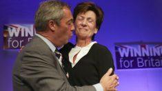 Nigel Farage y Diane James (Foto: AFP)