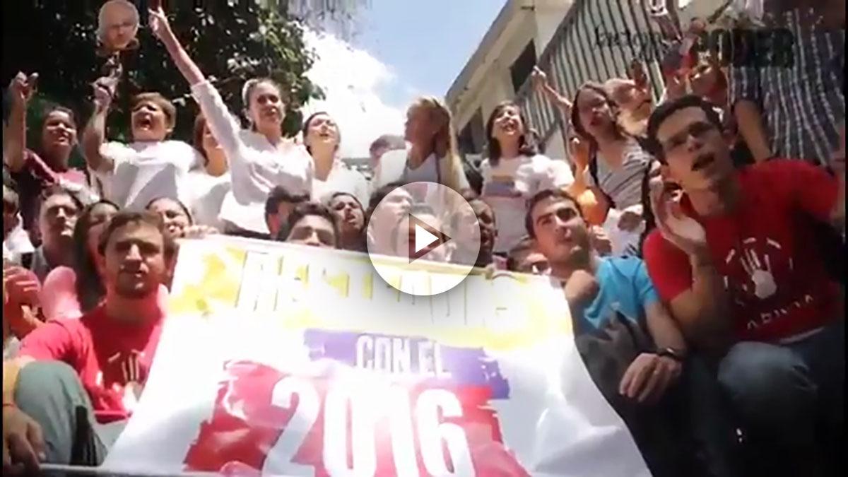 Lilian Tintori, en una marcha para reclamar el referéndum revocatorio contra Maduro.
