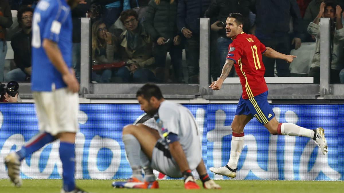 Vitolo celebra el gol a Italia. (AFP)