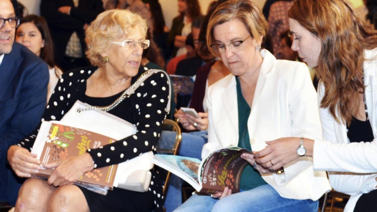Manuela Carmena y Purificación Causapié. (Foto: Madrid)