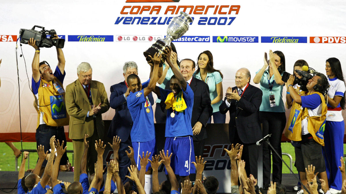 Brasil venció a Argentina en la final de la Copa América 2007 organizada por la Conmebol. (AFP)