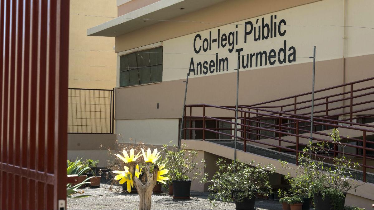 Fachada del colegio Anselm Turmeda de Palma de Mallorca (Foto: Efe).