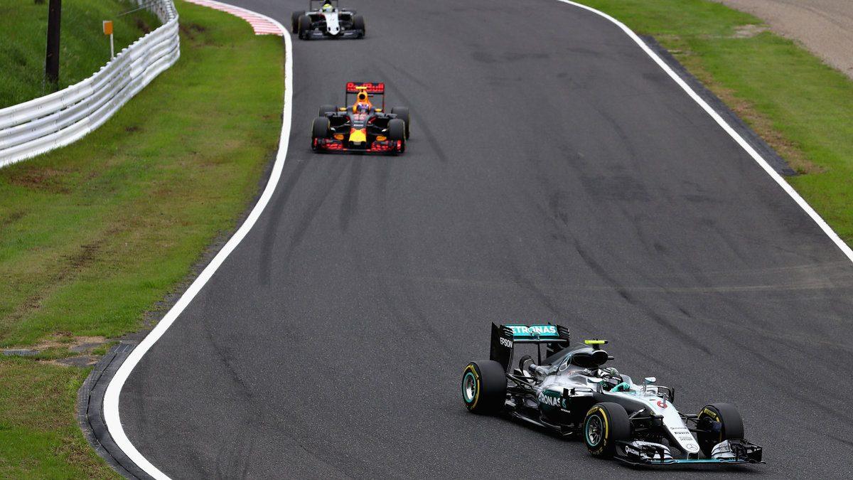 Nico Rosberg se hizo con la carrera en el GP de Japón, aumentando su distancia con Hamilton en el Mundial. Alonso no alcanzó los puntos (Getty)