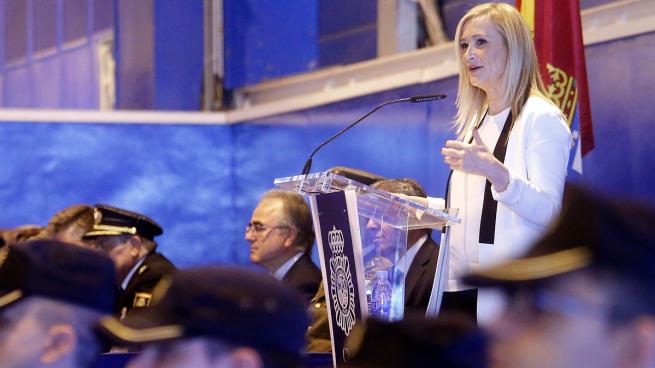 Cifuentes condena la «cobardía y la deslealtad» de los Mossos «un cuerpo más político que policial»