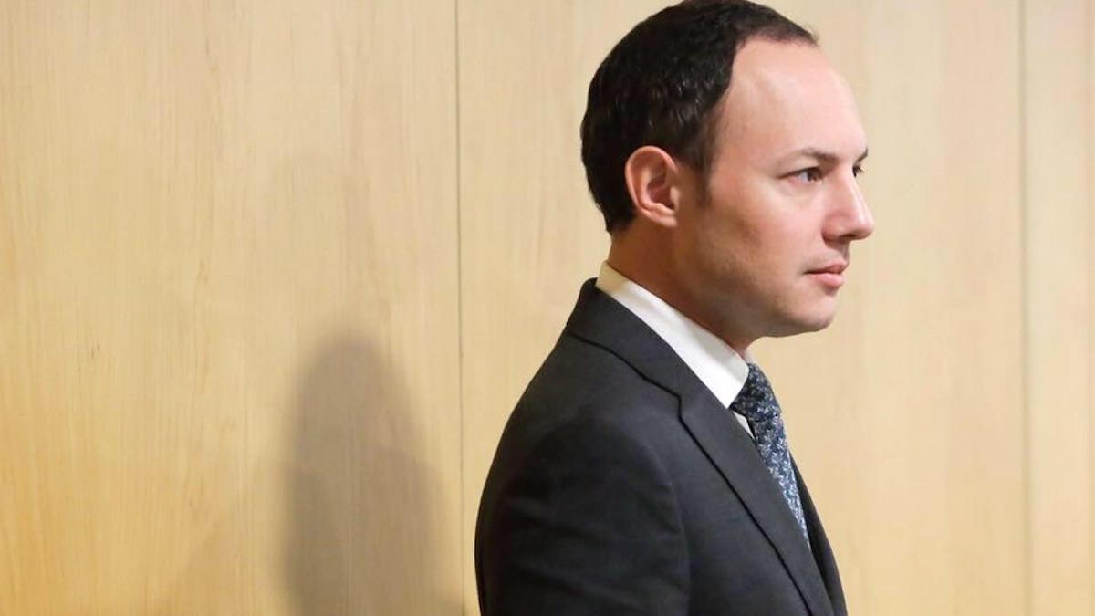 Un ministro de andorra y su padre vendieron en for Interior y justicia