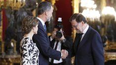Recepción de los Reyes en el Palacio Real. (Foto: EFE)