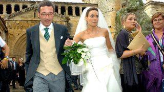 El diputado del PP José María Lasalle y la socialista Meritxell Batet el día de su boda en 2005. (Foto: EFE)