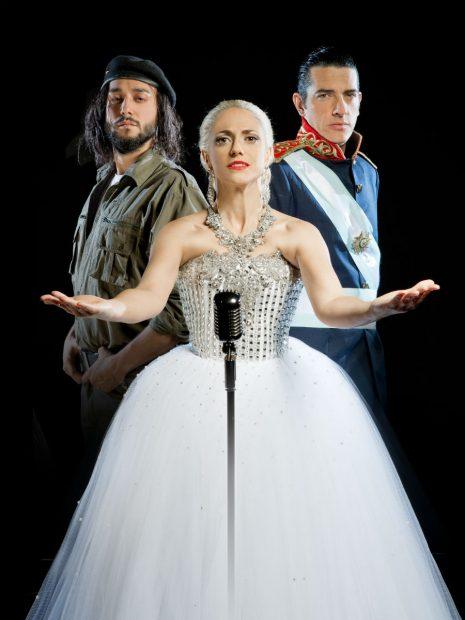 Los tres protagonistas del musical 'Evita'.