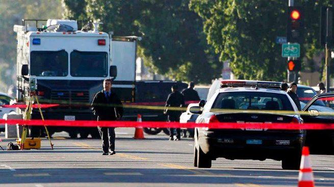 Mueren tres personas en un tiroteo en un restaurante de Los Ángeles