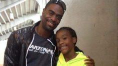 Tyson Gay junto a su hija Trinity. (Twitter)