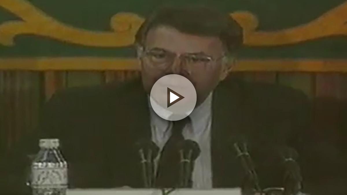 El ex presidente Felipe González, durante una charla en la UAM en 1993 (Youtube)