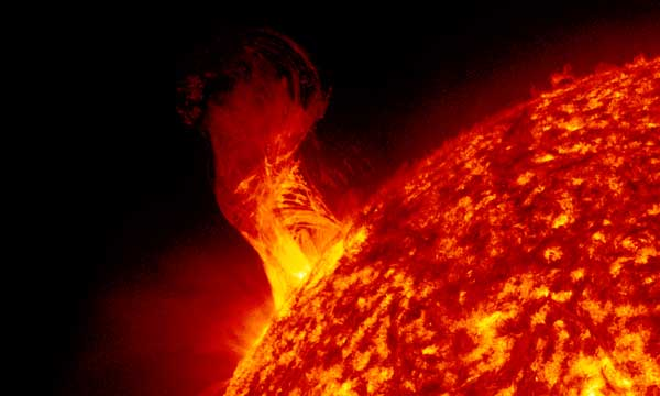 El satélite IRIS, el ojo que observa y estudia el Sol