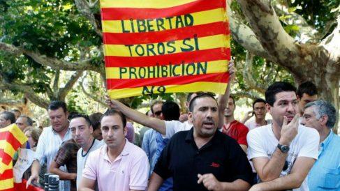Catalens a favor de la fiesta nacional, las corridas de toros, se manifiestan en contra de la prohibición. AGENCIAS