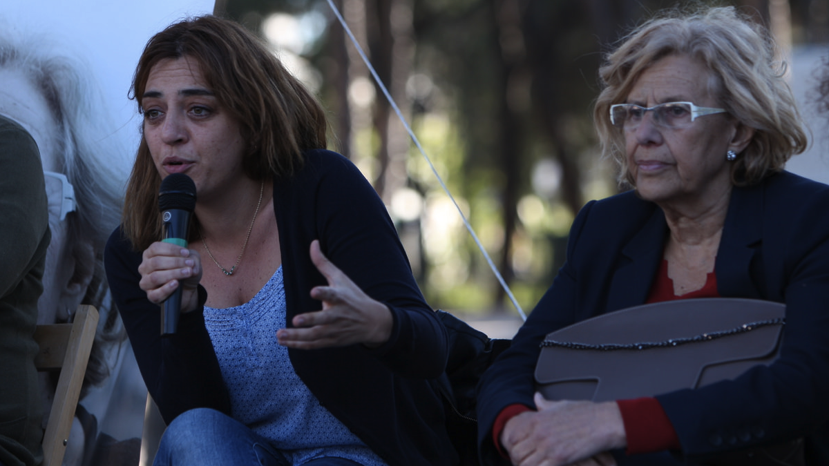 La edil de Cultura y Deporte Celia Mayer en campaña electoral con Manuela Carmena. (Foto: AM)
