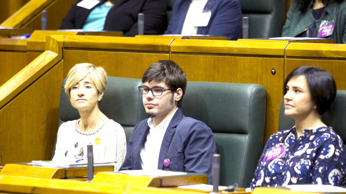 Diputados de Podemos en el Parlamento vasco (Foto: Efe).