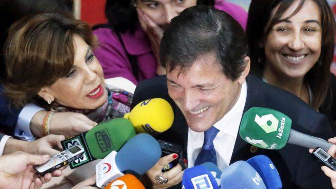 Javier Fernández rechaza debatir con los ocho barones 'pedristas' una abstención mínima