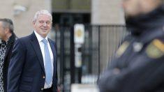 Pablo Crespo, uno de los acusados en el juicio de la Gürtel, a su llegada a la sala de la Audiencia Nacional. (EFE)