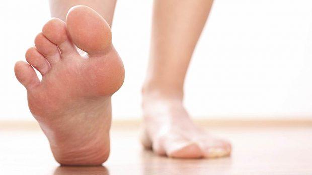 Para qué sirve el dedo meñique del pie?