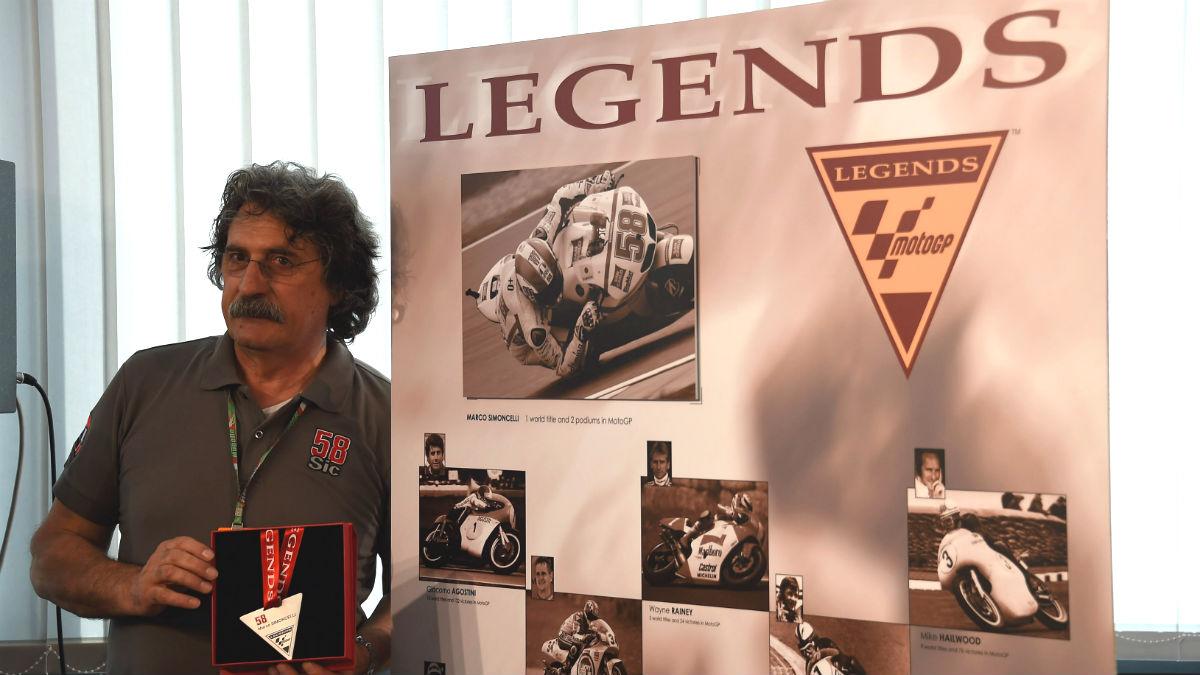 Paolo Simoncelli se ha cebado contra Jorge Lorenzo opinando sobre su salto a Ducati. (Getty)