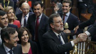 El presidente en funciones, Mariano Rajoy, a la salida del Congreso.